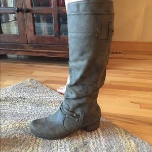 Classic Grey Faux Leather Boots!